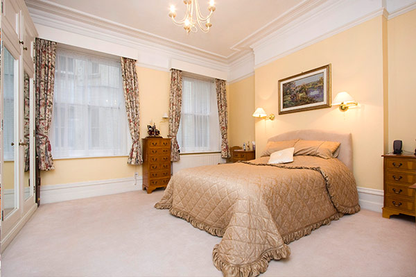 Bedford Court Mansions Bedroom